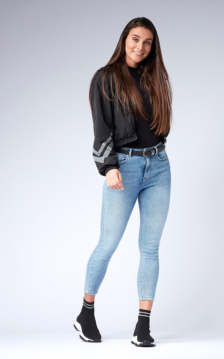 un look jean avec les helysee